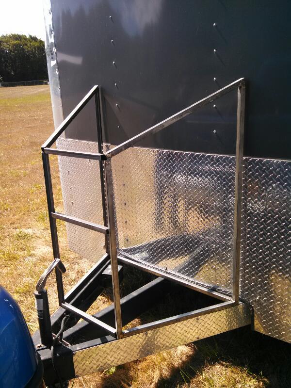 enclosed tongue box gen fuel battery build pirate4x4. Black Bedroom Furniture Sets. Home Design Ideas